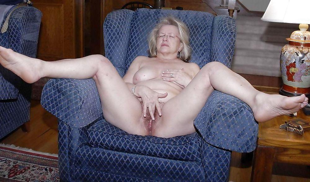 Naked girls edit